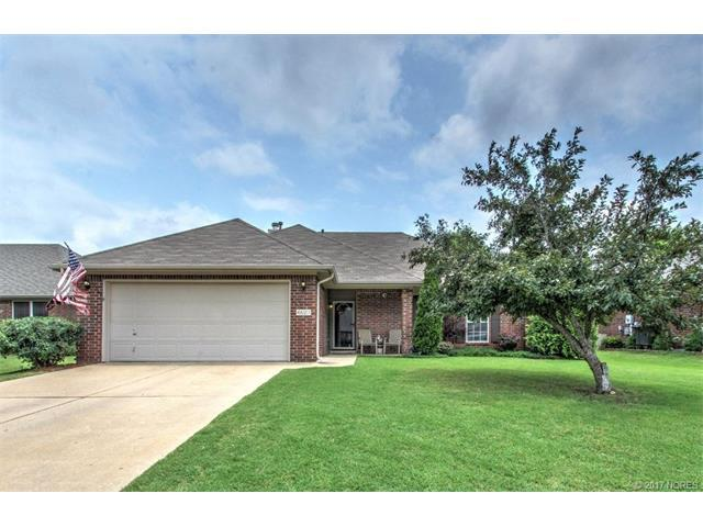 25046 E 91st Place S, Broken Arrow, OK 74014 (MLS #1724295) :: The Boone Hupp Group at Keller Williams Realty Preferred
