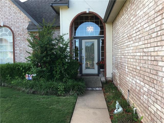 3725 W Toledo Street, Broken Arrow, OK 74012 (MLS #1724372) :: The Boone Hupp Group at Keller Williams Realty Preferred