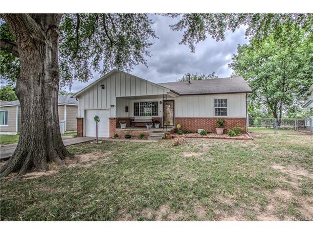 5809 E 18th Street, Tulsa, OK 74112 (MLS #1724426) :: The Boone Hupp Group at Keller Williams Realty Preferred