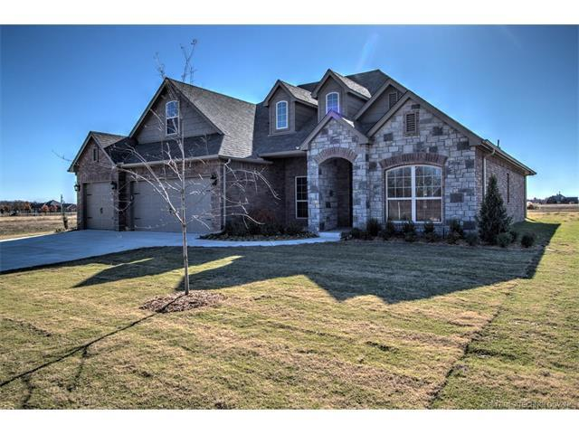 28288 E 111th Place S, Coweta, OK 74429 (MLS #1729283) :: The Boone Hupp Group at Keller Williams Realty Preferred