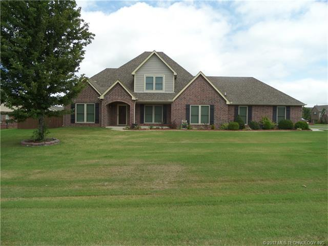 17995 E 121st Street North, Collinsville, OK 74021 (MLS #1731186) :: The Boone Hupp Group at Keller Williams Realty Preferred