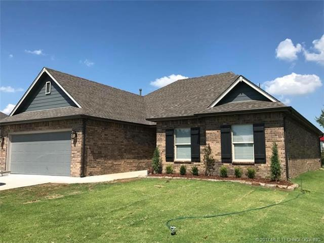 1201 S Choctaw Avenue, Skiatook, OK 74070 (MLS #1731763) :: The Boone Hupp Group at Keller Williams Realty Preferred