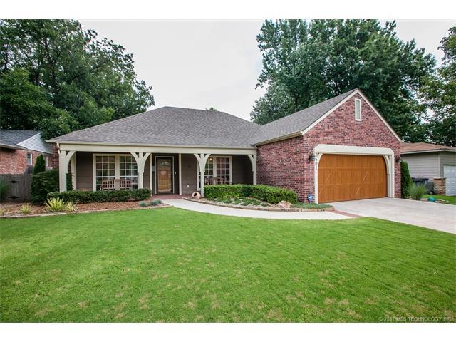 2601 E 55th Place, Tulsa, OK 74105 (MLS #1732037) :: The Boone Hupp Group at Keller Williams Realty Preferred