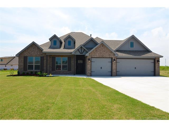 14323 N 55th East Avenue, Collinsville, OK 74021 (MLS #1732067) :: The Boone Hupp Group at Keller Williams Realty Preferred