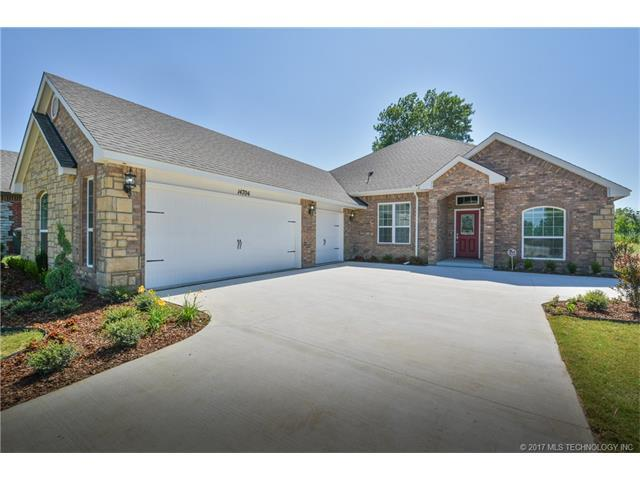 6319 E 147th Street S, Bixby, OK 74008 (MLS #1732070) :: The Boone Hupp Group at Keller Williams Realty Preferred