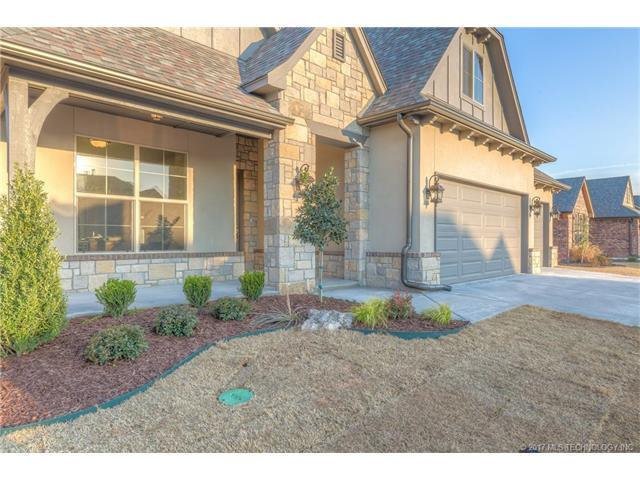 12813 S Date Street, Jenks, OK 74037 (MLS #1732151) :: The Boone Hupp Group at Keller Williams Realty Preferred