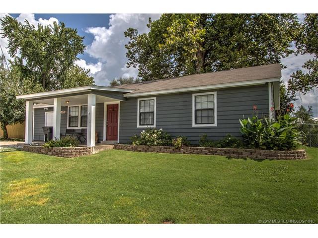 521 N Atoka Avenue, Coweta, OK 74429 (MLS #1732155) :: The Boone Hupp Group at Keller Williams Realty Preferred