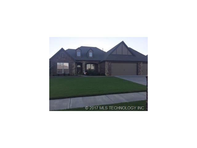 8318 N 74th East Avenue, Owasso, OK 74055 (MLS #1732349) :: The Boone Hupp Group at Keller Williams Realty Preferred