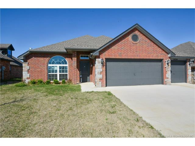 14754 S Lakewood Place, Bixby, OK 74008 (MLS #1732373) :: The Boone Hupp Group at Keller Williams Realty Preferred