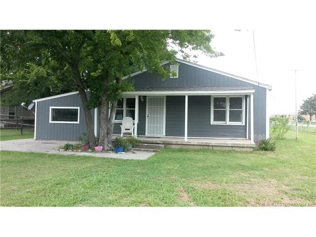 213 E 4th Avenue S, Owasso, OK 74055 (MLS #1732438) :: The Boone Hupp Group at Keller Williams Realty Preferred
