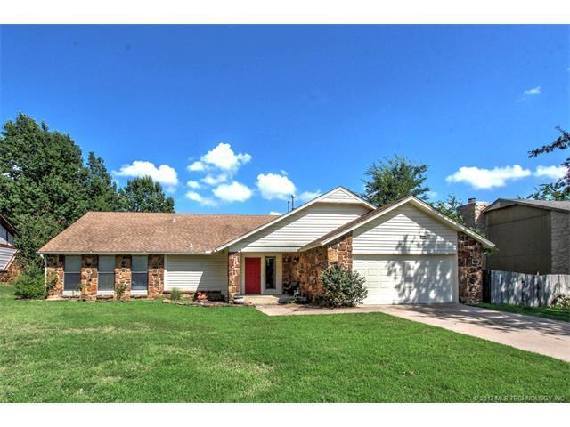 2421 S Dogwood Avenue, Broken Arrow, OK 74012 (MLS #1732443) :: The Boone Hupp Group at Keller Williams Realty Preferred