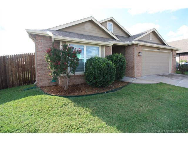 10900 N 149th East Avenue, Owasso, OK 74055 (MLS #1732507) :: The Boone Hupp Group at Keller Williams Realty Preferred
