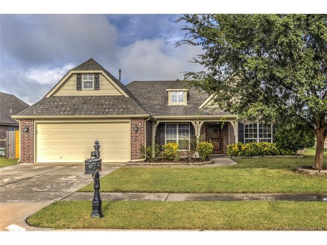 10406 N 114th East Avenue, Owasso, OK 74055 (MLS #1732512) :: The Boone Hupp Group at Keller Williams Realty Preferred