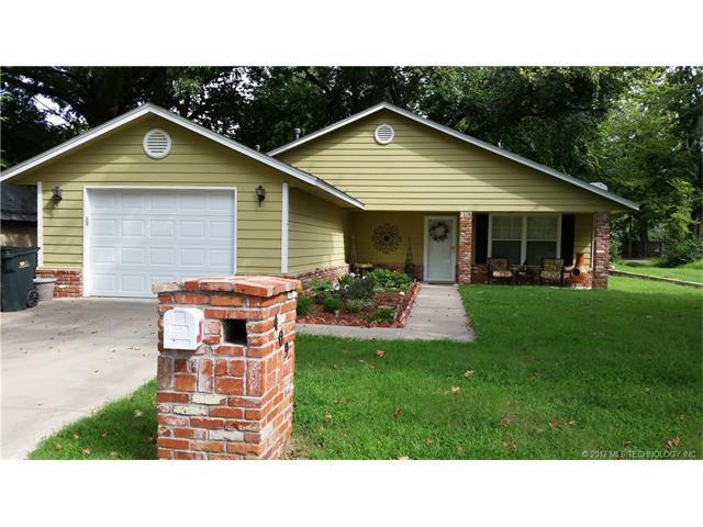 409 E Mckinley Avenue, Sapulpa, OK 74066 (MLS #1732514) :: The Boone Hupp Group at Keller Williams Realty Preferred