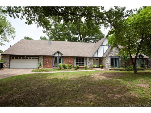 4801 S Lewis Place, Tulsa, OK 74105 (MLS #1732522) :: The Boone Hupp Group at Keller Williams Realty Preferred