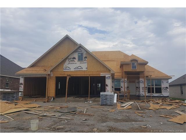 8108 N 76th East Avenue, Owasso, OK 74055 (MLS #1732523) :: The Boone Hupp Group at Keller Williams Realty Preferred