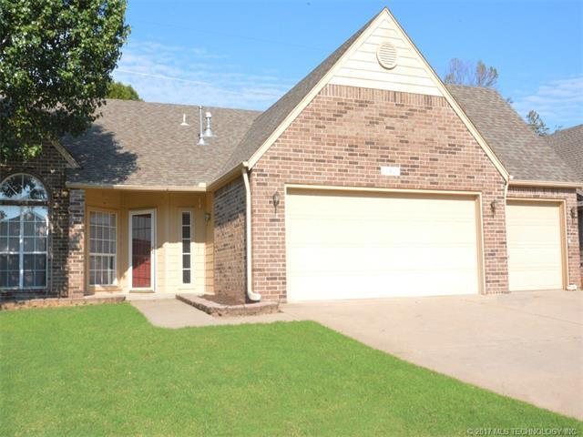 11406 S 102nd East East Avenue, Bixby, OK 74008 (MLS #1732526) :: The Boone Hupp Group at Keller Williams Realty Preferred