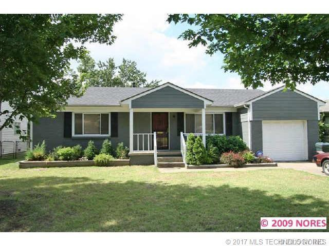 4704 E 27th Street, Tulsa, OK 74114 (MLS #1732577) :: The Boone Hupp Group at Keller Williams Realty Preferred