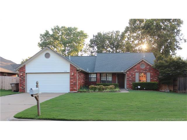 11318 S 107th East Avenue, Bixby, OK 74008 (MLS #1732579) :: The Boone Hupp Group at Keller Williams Realty Preferred