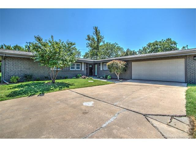 3732 E 59th Place, Tulsa, OK 74135 (MLS #1732615) :: The Boone Hupp Group at Keller Williams Realty Preferred