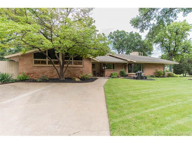 5827 S Florence Avenue, Tulsa, OK 74105 (MLS #1732645) :: The Boone Hupp Group at Keller Williams Realty Preferred