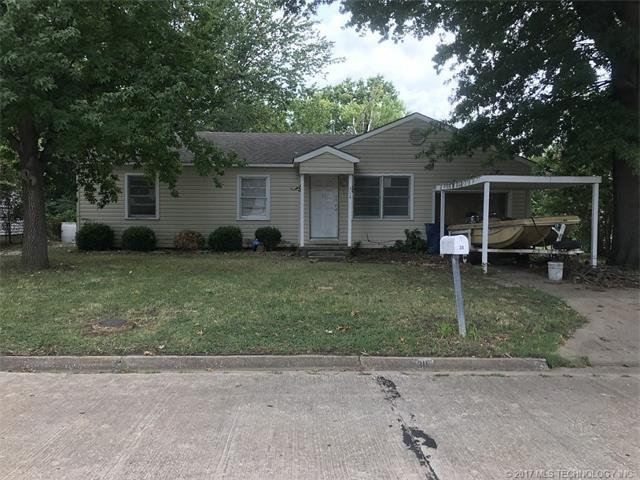 311 E Falletti Avenue, Claremore, OK 74017 (MLS #1732675) :: The Boone Hupp Group at Keller Williams Realty Preferred