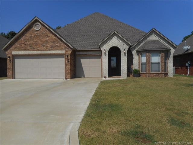 827 Great Oaks Drive, Mcalester, OK 74501 (MLS #1736355) :: Brian Frere Home Team