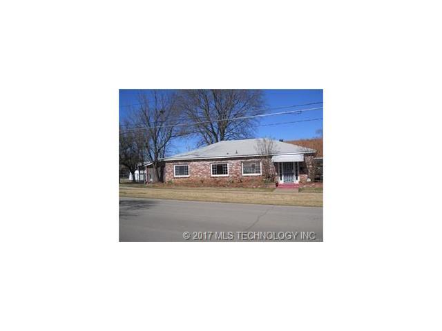 916 E Hensley Boulevard, Bartlesville, OK 74003 (MLS #1737275) :: The Boone Hupp Group at Keller Williams Realty Preferred