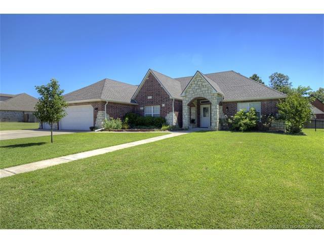 13845 S 261st East Avenue, Coweta, OK 74429 (MLS #1738381) :: The Boone Hupp Group at Keller Williams Realty Preferred