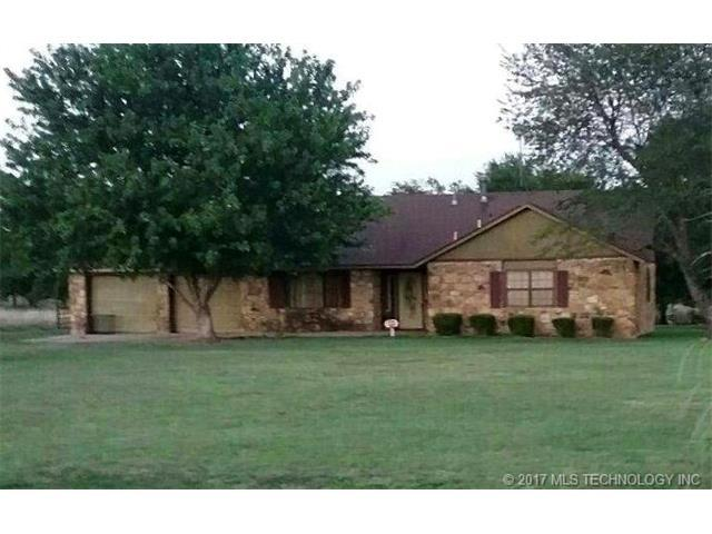 16735 N 113th East Avenue, Collinsville, OK 74021 (MLS #1738384) :: The Boone Hupp Group at Keller Williams Realty Preferred