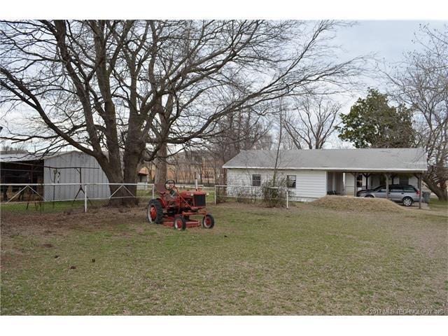 2010 W 126th Street S, Glenpool, OK 74033 (MLS #1738548) :: The Boone Hupp Group at Keller Williams Realty Preferred
