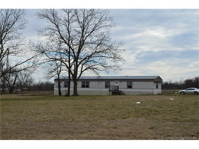 2080 S 126th Street S, Glenpool, OK 74033 (MLS #1738685) :: The Boone Hupp Group at Keller Williams Realty Preferred