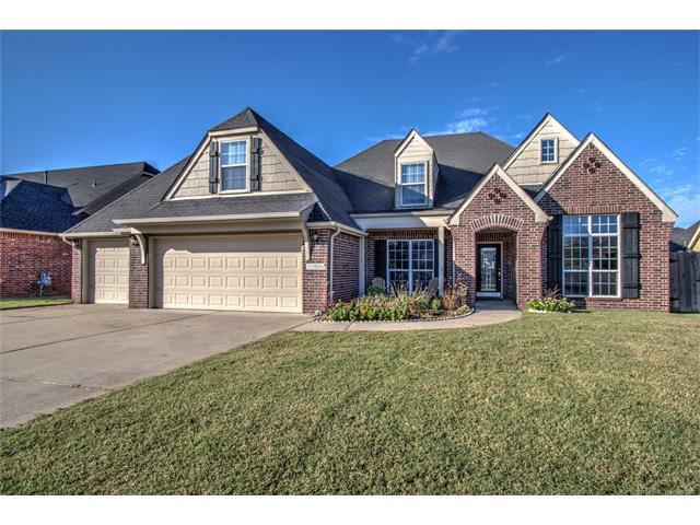 11806 S Vine Street, Jenks, OK 74037 (MLS #1738981) :: The Boone Hupp Group at Keller Williams Realty Preferred