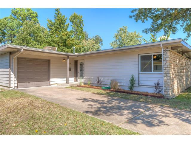 4929 E 26th Place, Tulsa, OK 74114 (MLS #1738996) :: The Boone Hupp Group at Keller Williams Realty Preferred