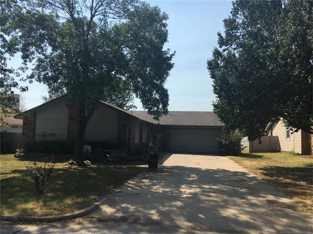 14068 S Nyssa Place, Glenpool, OK 74033 (MLS #1739037) :: The Boone Hupp Group at Keller Williams Realty Preferred
