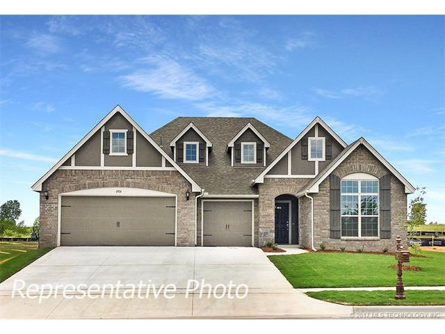 2621 W 111th Place S, Jenks, OK 74037 (MLS #1739059) :: The Boone Hupp Group at Keller Williams Realty Preferred