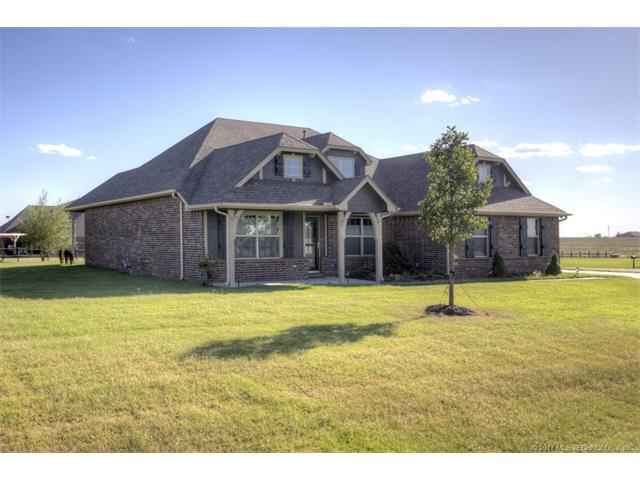 5760 E 135th Street North, Collinsville, OK 74021 (MLS #1739332) :: The Boone Hupp Group at Keller Williams Realty Preferred