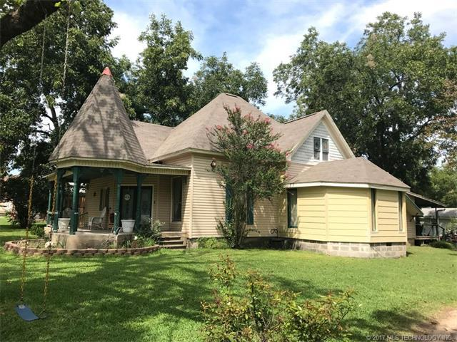 311 S 3rd Street, Madill, OK 73446 (MLS #1740431) :: The Boone Hupp Group at Keller Williams Realty Preferred