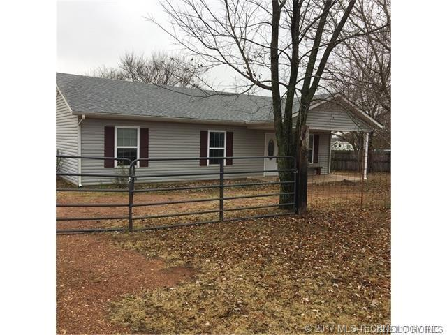 207 W 7th Street, Asher, OK 74826 (MLS #1742626) :: The Boone Hupp Group at Keller Williams Realty Preferred