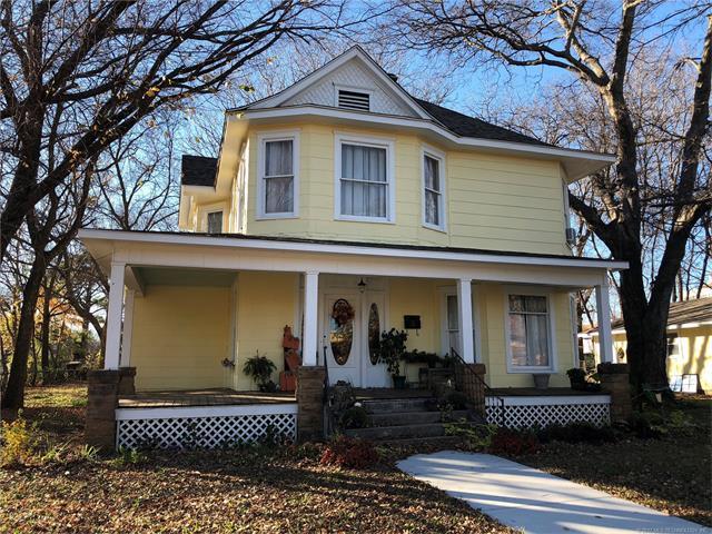 322 S Porter Avenue, Okmulgee, OK 74447 (MLS #1743570) :: The Boone Hupp Group at Keller Williams Realty Preferred