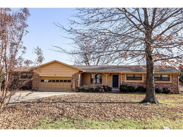 750 Valentine Lane, Claremore, OK 74017 (MLS #1743595) :: The Boone Hupp Group at Keller Williams Realty Preferred