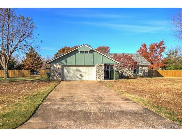 11310 S 252nd East Avenue, Broken Arrow, OK 74014 (MLS #1743629) :: The Boone Hupp Group at Keller Williams Realty Preferred