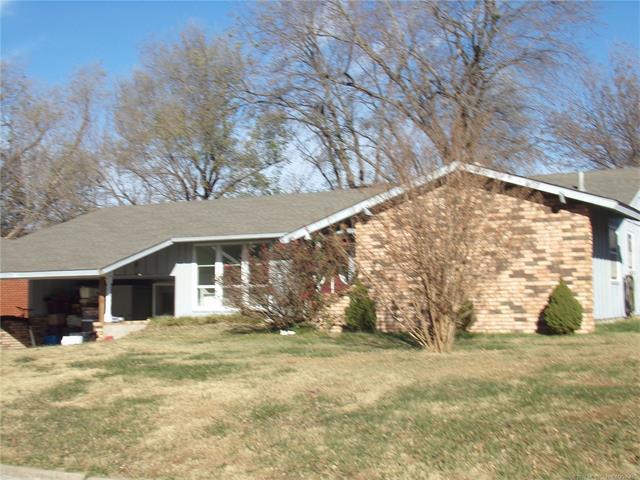1325 NE 4th Street, Pryor, OK 74361 (MLS #1743790) :: The Boone Hupp Group at Keller Williams Realty Preferred