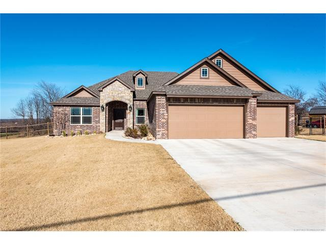 3805 E Maple Drive, Collinsville, OK 74021 (MLS #1744387) :: The Boone Hupp Group at Keller Williams Realty Preferred