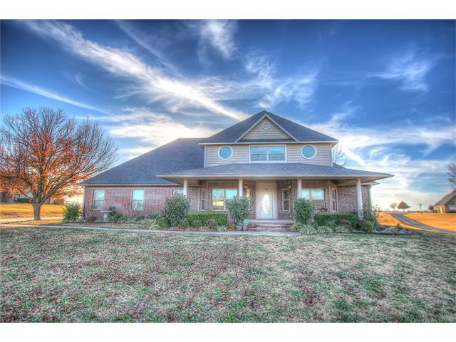 1114 N 28th Street, Collinsville, OK 74021 (MLS #1744462) :: The Boone Hupp Group at Keller Williams Realty Preferred