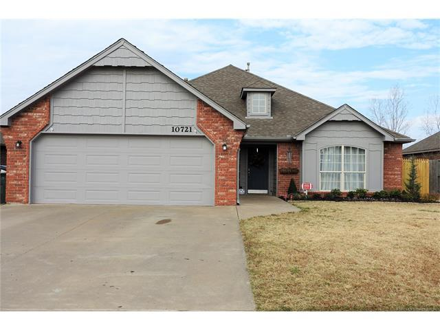 10721 E 122nd Street North, Collinsville, OK 74021 (MLS #1744477) :: The Boone Hupp Group at Keller Williams Realty Preferred