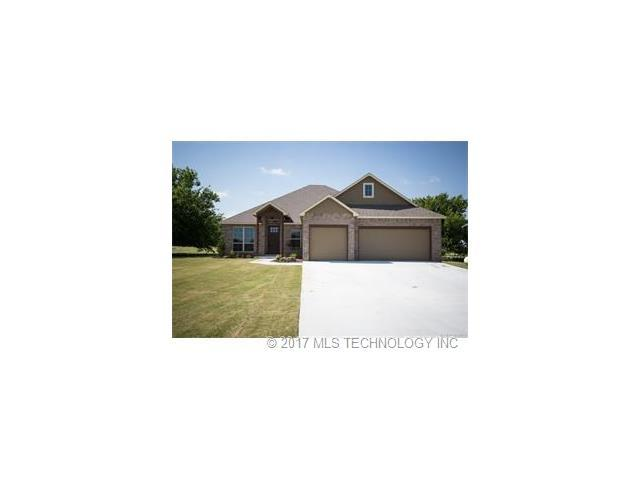 3800 Maple Drive, Collinsville, OK 74021 (MLS #1744571) :: The Boone Hupp Group at Keller Williams Realty Preferred