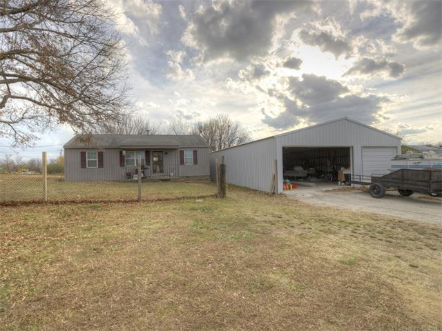12124 N 129th East Avenue, Collinsville, OK 74021 (MLS #1744644) :: The Boone Hupp Group at Keller Williams Realty Preferred