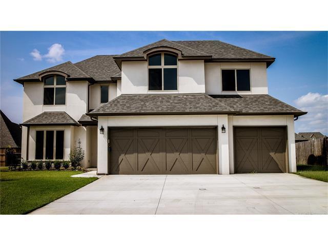5306 E 121st Place S, Tulsa, OK 74103 (MLS #1744648) :: Brian Frere Home Team
