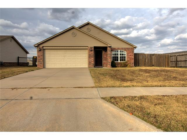 11101 E 123rd Street North, Collinsville, OK 74021 (MLS #1744673) :: The Boone Hupp Group at Keller Williams Realty Preferred